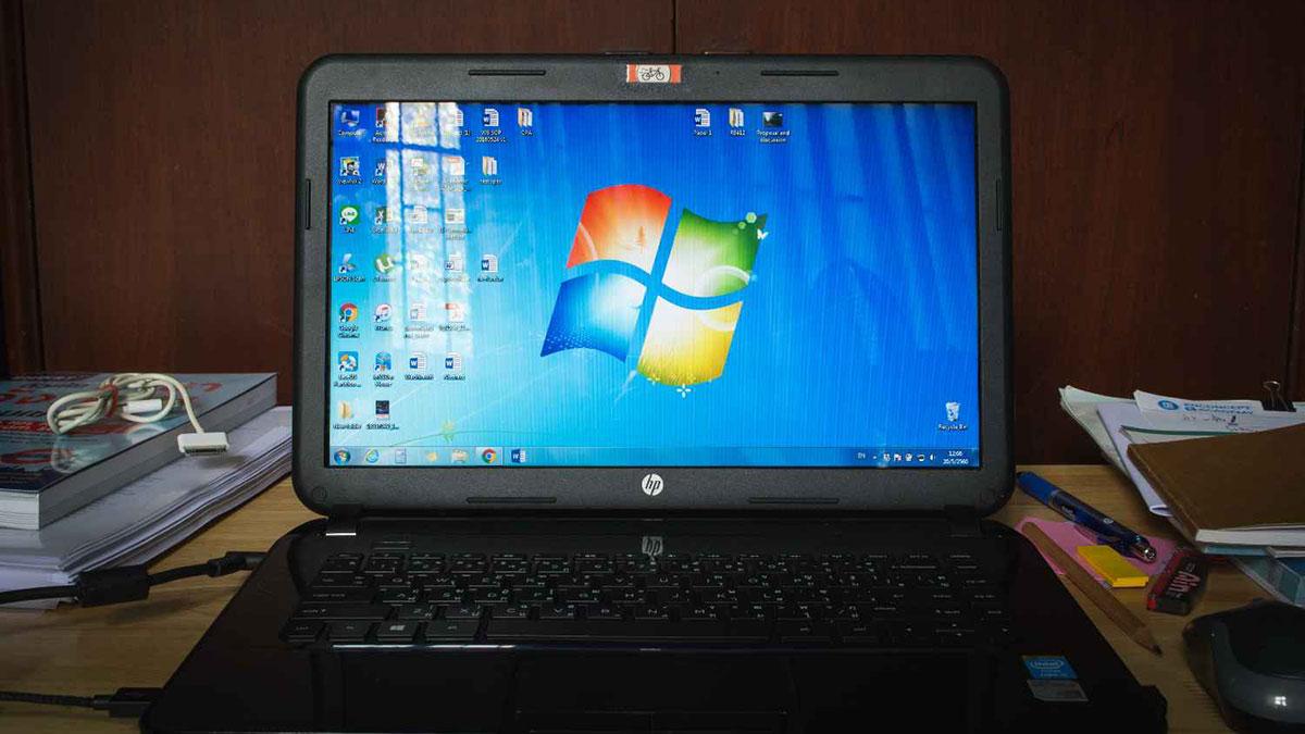 ноутбук с открытой ос windows 7