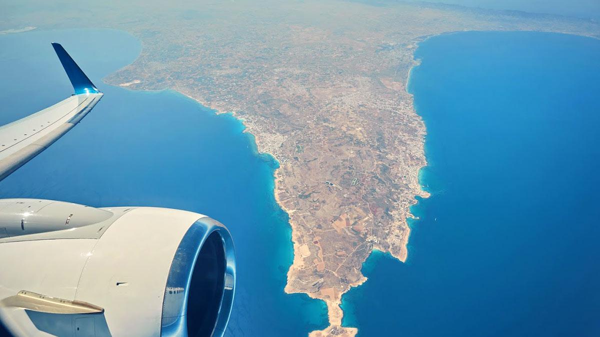 Кипр самолет над кипром туризм