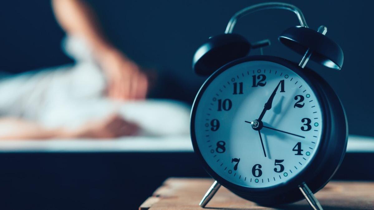 Бессонница будильник один