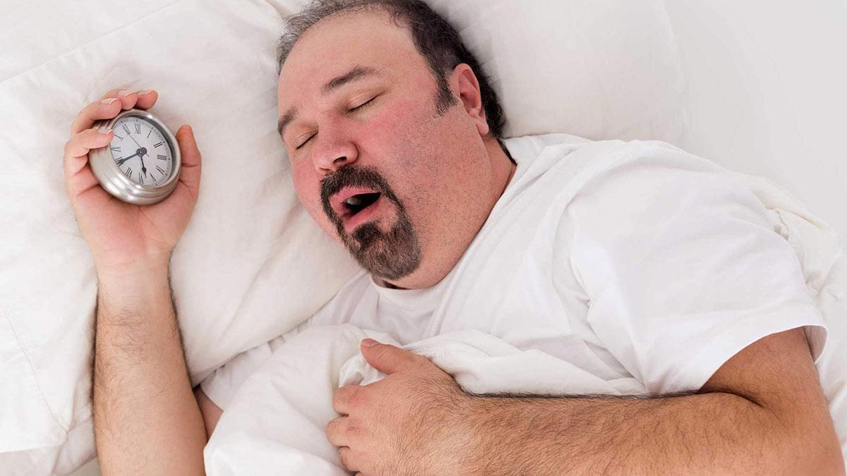 сон храп спящий тучный мужчина