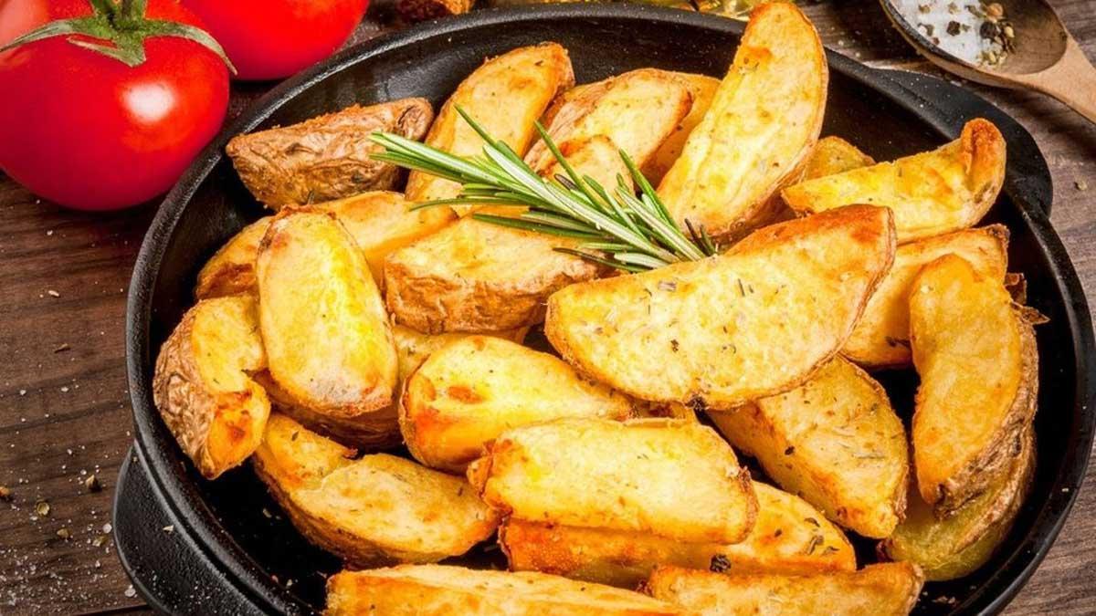 жареный картофель за 20 минут помидоры