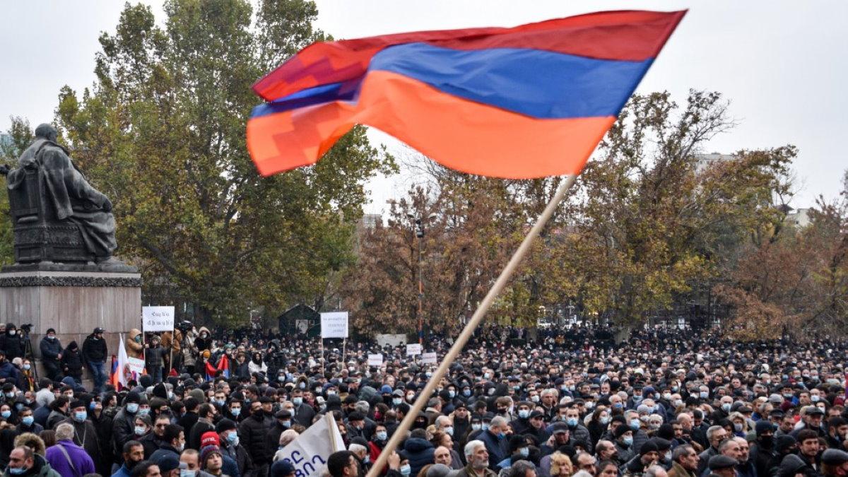 Армения Нагорный Карабах протесты митинг четыре