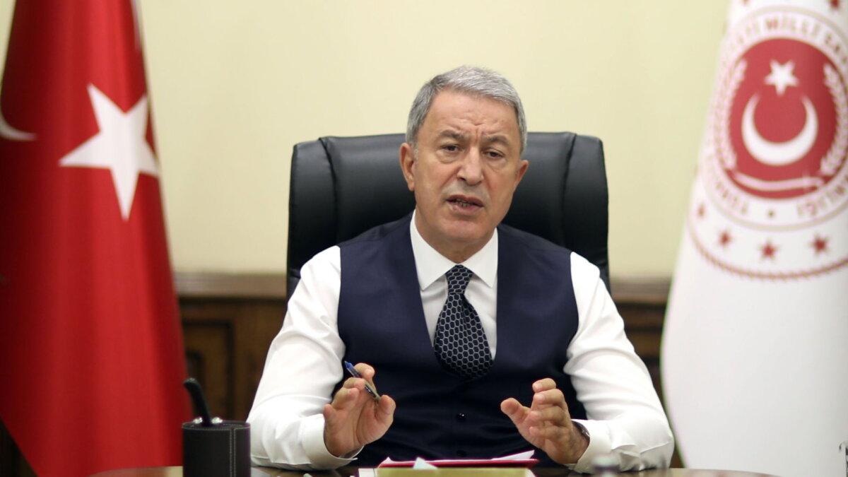 Глава минобороны Турции Хулуси Акар - Hulusi Akar один