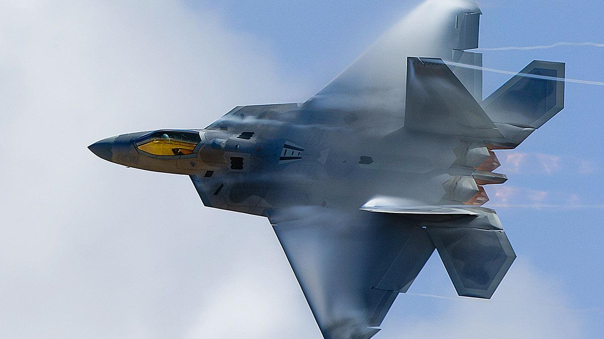 F-22 Raptor «Раптор» малозаметный многоцелевой истребитель пятого поколения