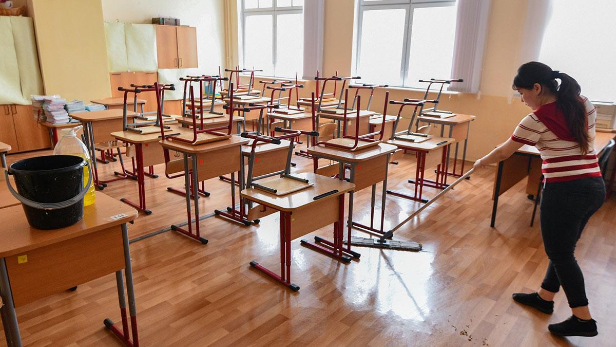 школа класс парты уборка помещения