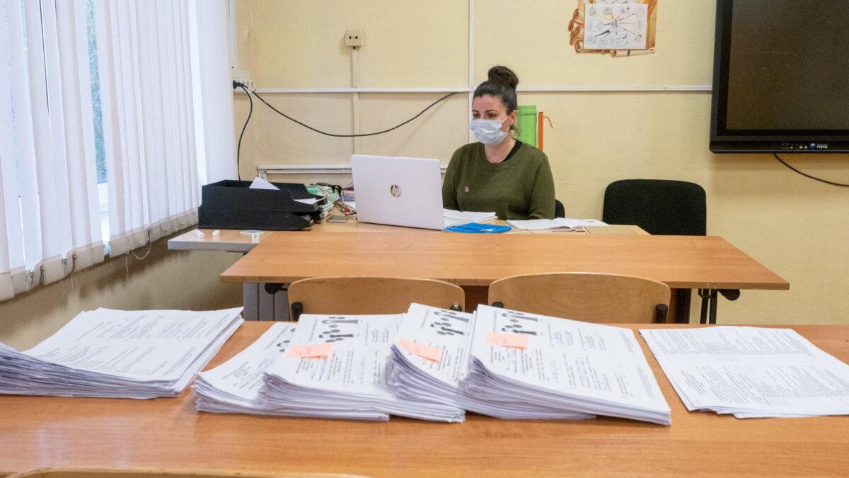 коронавирус школа учитель дистанционное обучение два