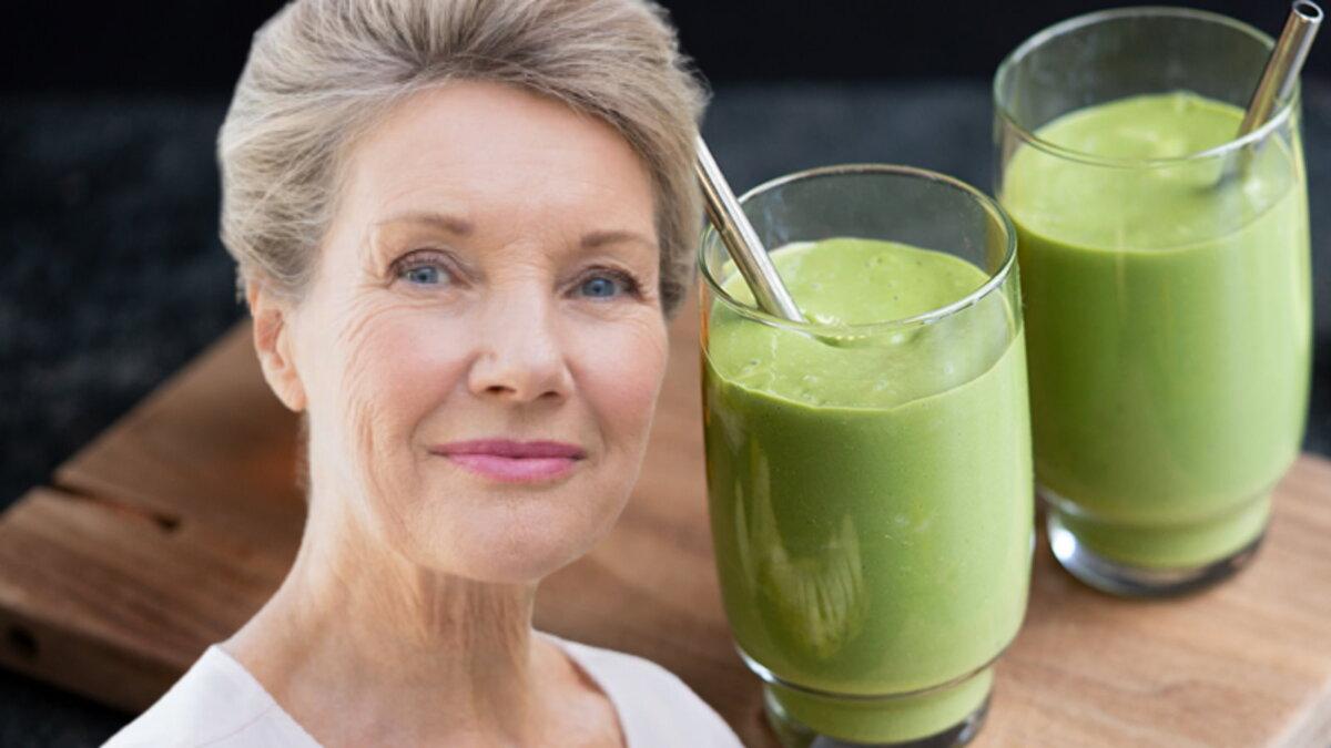 Смузи с куркумой и зеленым чаем матча и долголетие