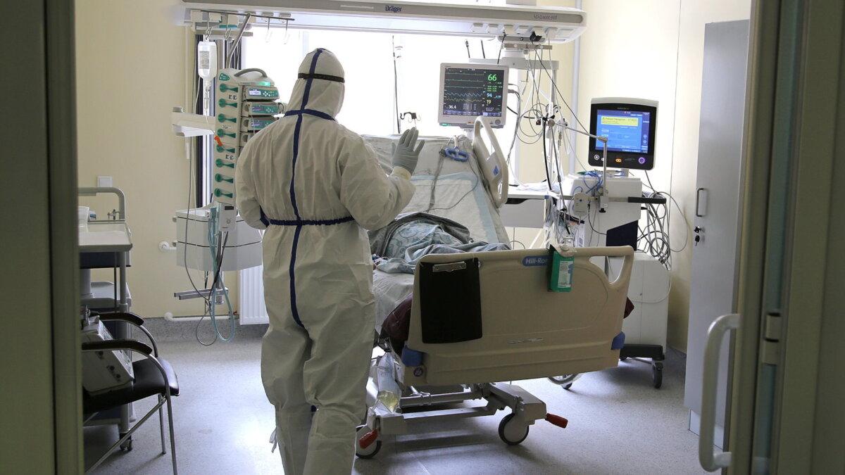 Коронавирус больница палата койка проём