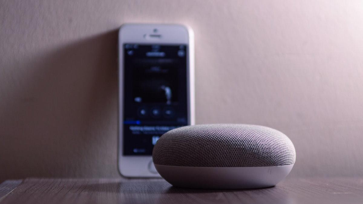 Умная колонка Google Nest Mini голосовой помощник музыка