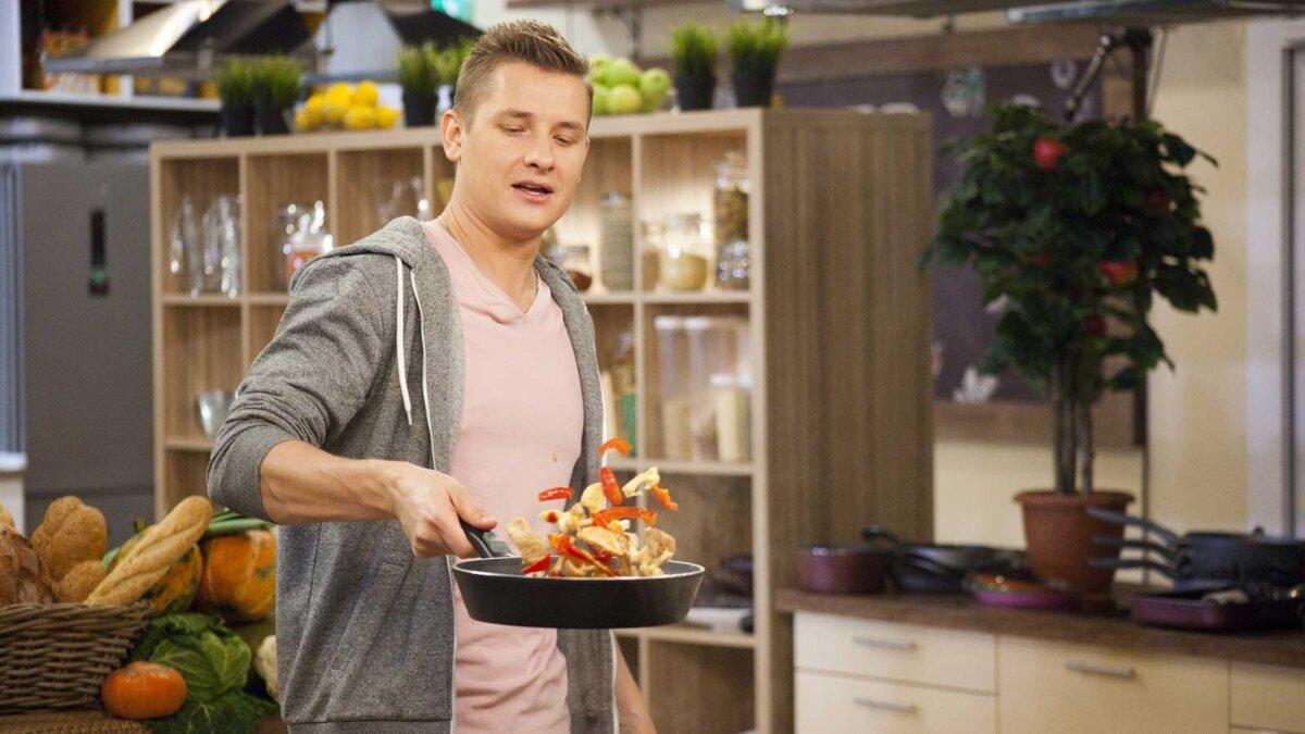 Александр Белькович - ресторатор и телеведущий, автор кулинарных книг и блоггер