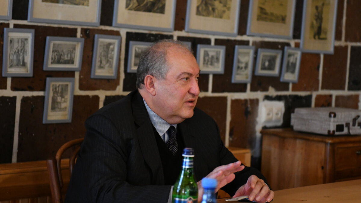 Президент Армении Армен Саркисян - Armen Sarkissian три