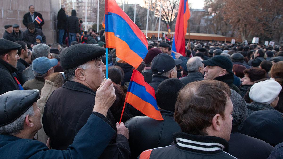 Армения Нагорный Карабах протесты митинг три