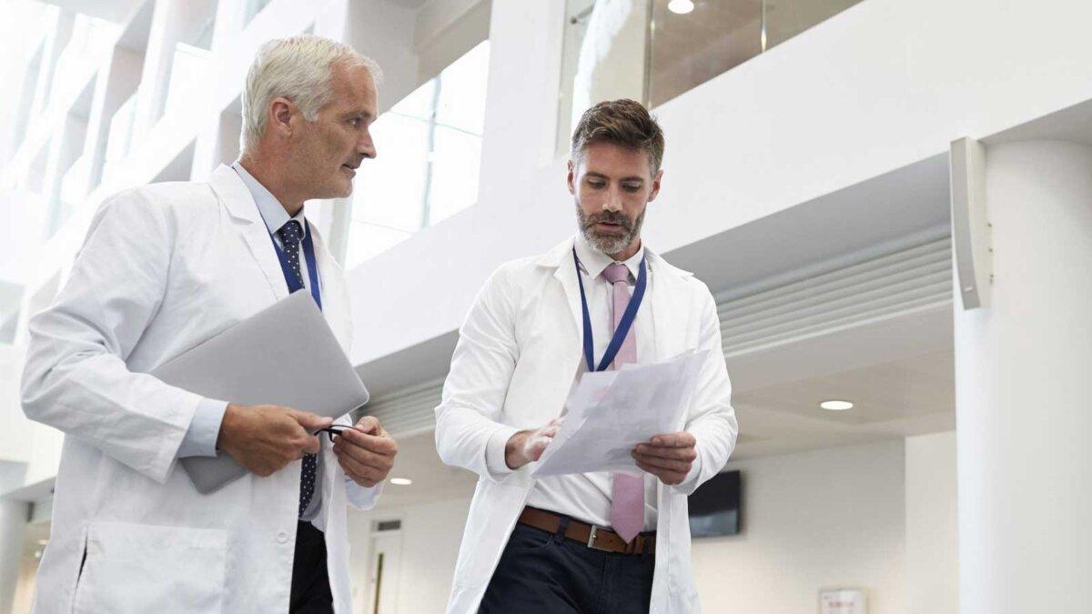 Два врача разговор