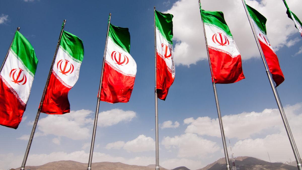 Тегеран Иран флаги два