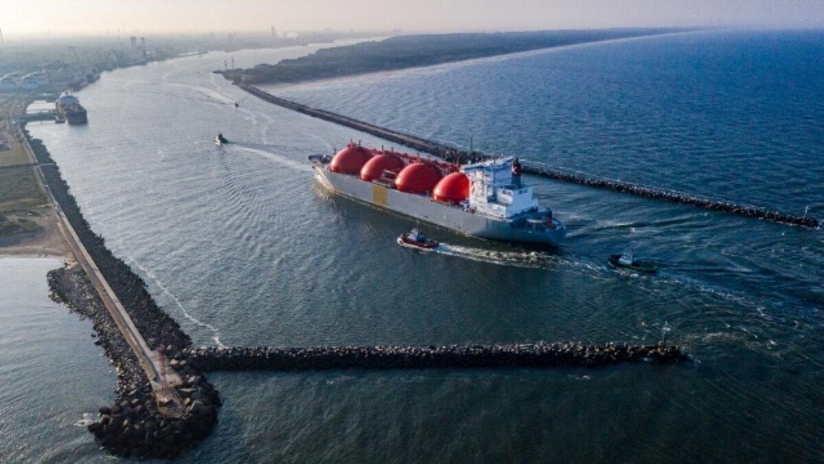 Литовский порт Клайпеда танкер