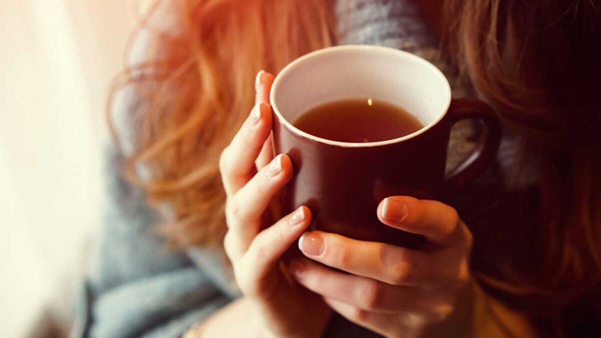 Напиток Чай расслабиться уютная фотография с размытым фоном