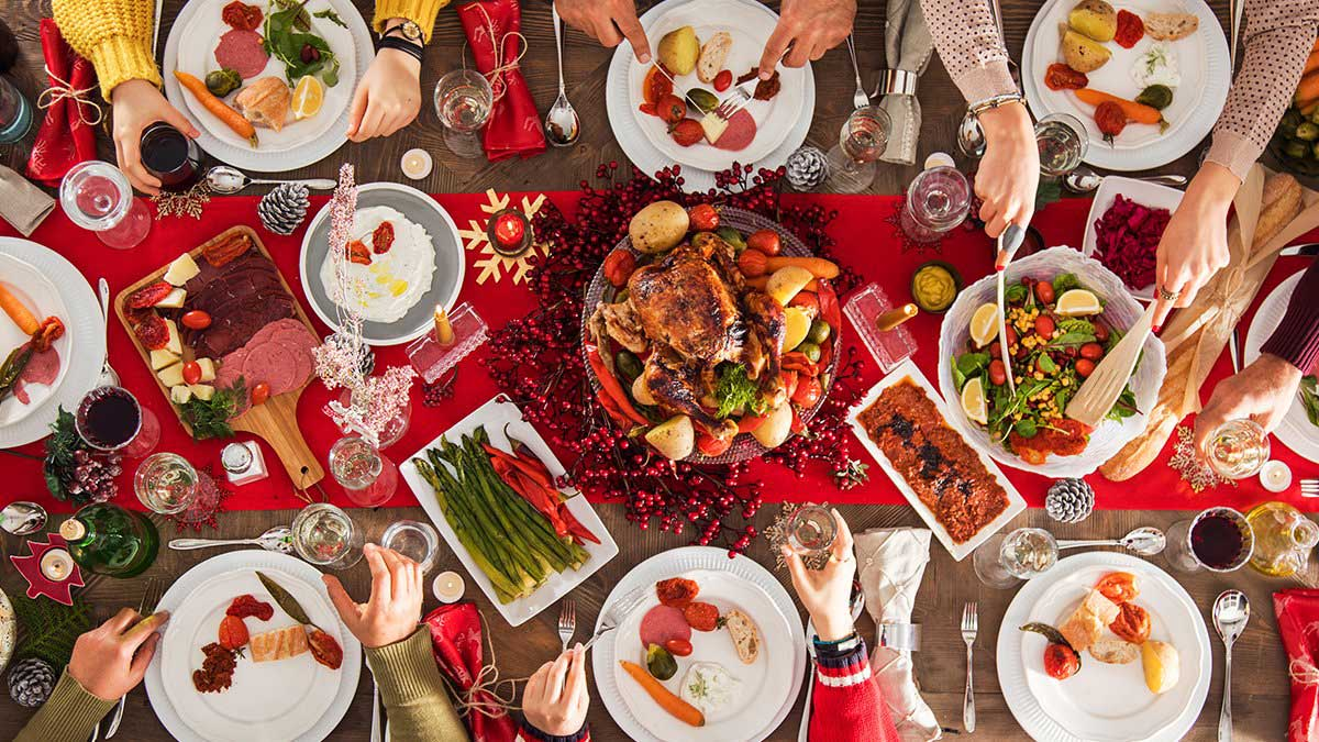 Новогодний стол много еды New Year table a lot of food