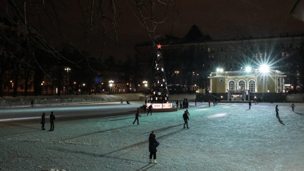 Москва Патриаршие пруды каток Новый год