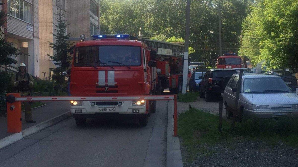 Пожарная машина шлагбаум во двор