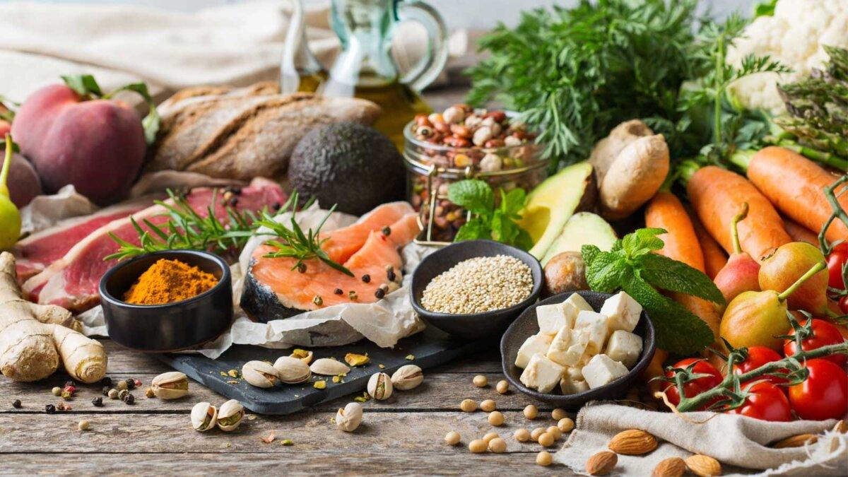 Продукты Средиземноморская диета Balanced nutrition concept for clean eating flexitarian mediterranean diet