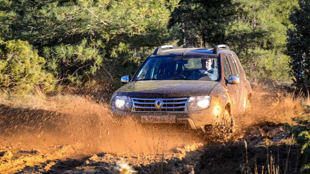 Рено Дастер грязь лес Renault Duster at the first test-drive event