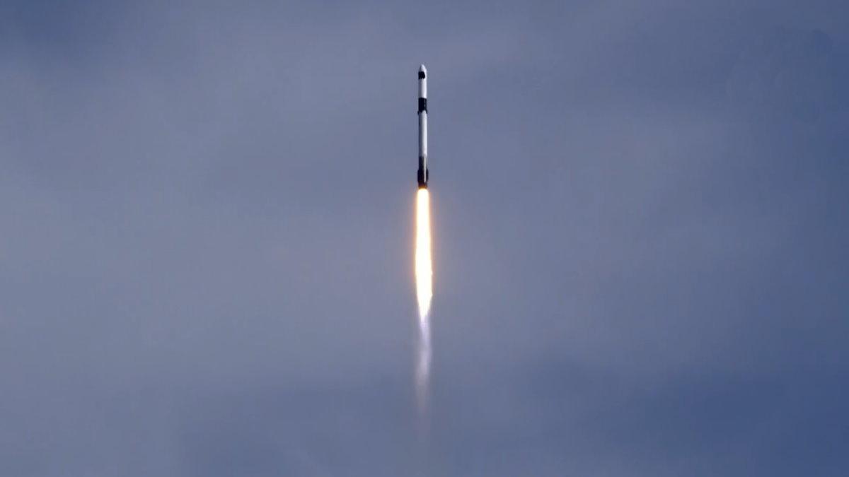 SpaceX Dragon с грузом для МКС
