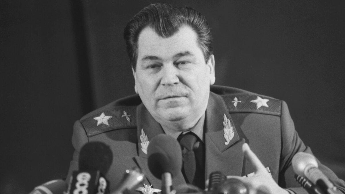 Последний министр обороны СССР маршал авиации Евгений Шапошников
