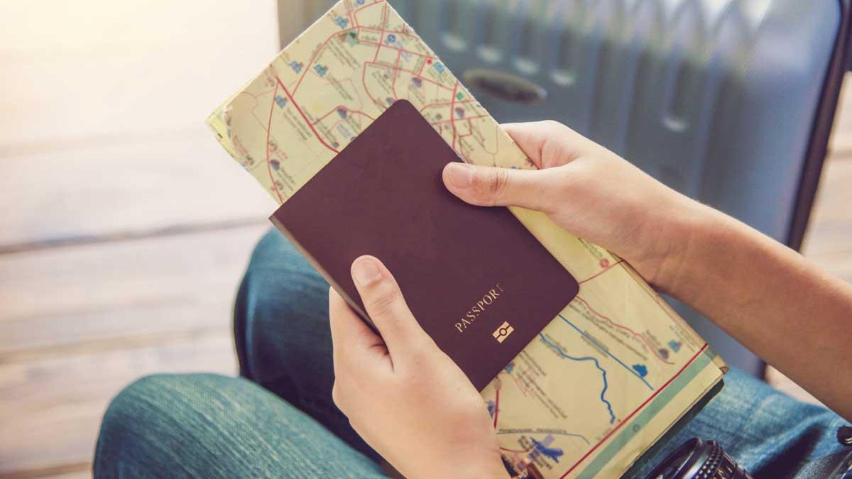 Турист фотоаппарат паспорт карта