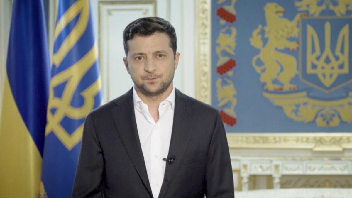 Владимир Зеленский стиснул губы