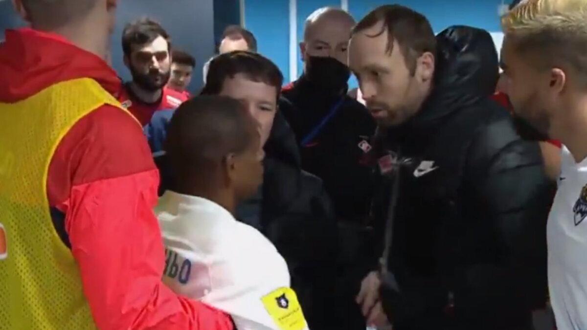 Жоазиньо ударил ассистента главного тренера Спартака Андреаса Хинкеля