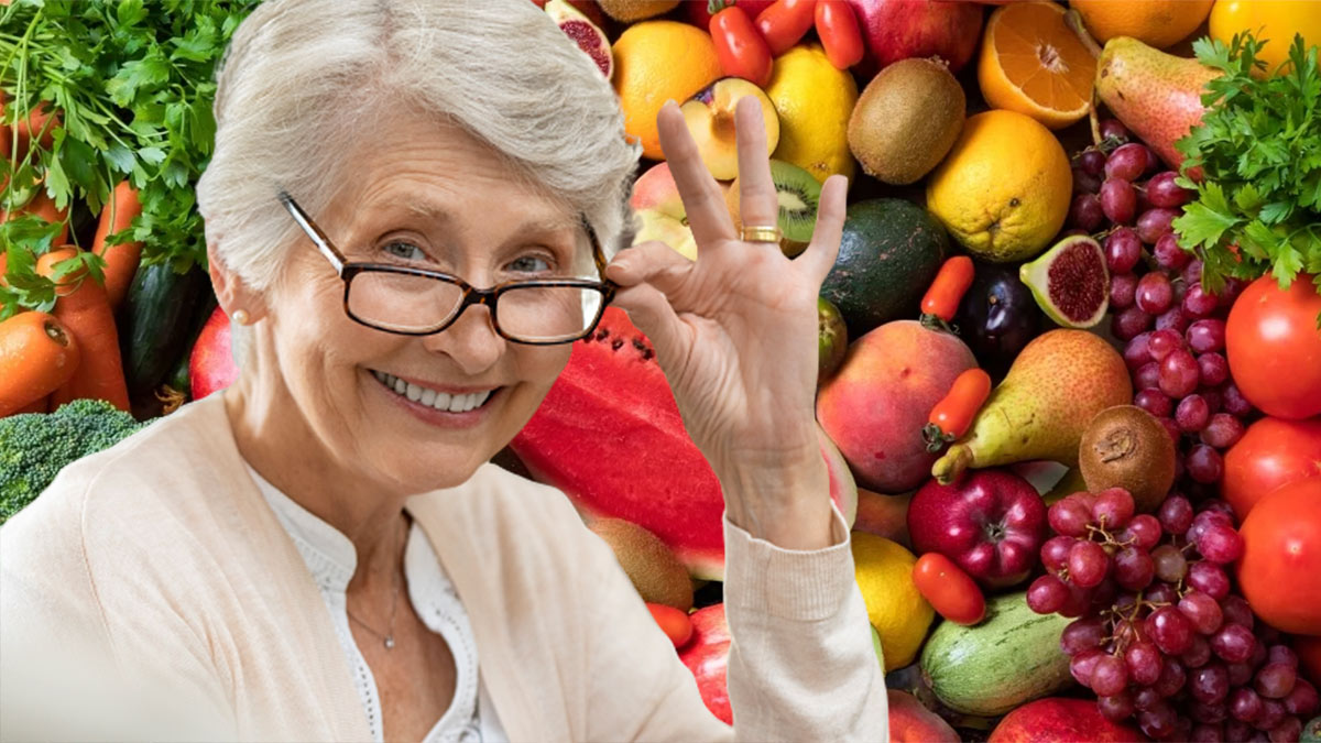 долголетие пожилая женщина фрукты и овощи