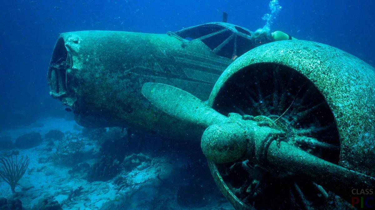 самолет на дне Саргасова моря