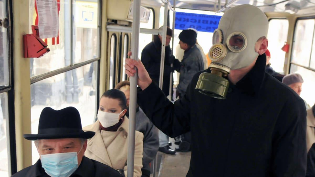 маски в общественном транспорте