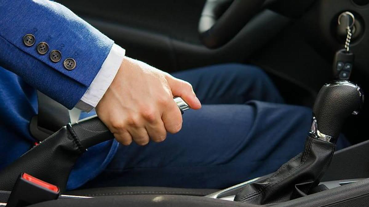 ручной тормоз в автомобиле