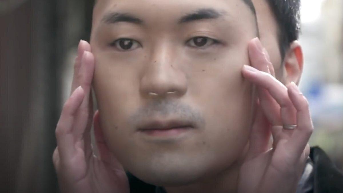 гиперреалистичная маска лицо