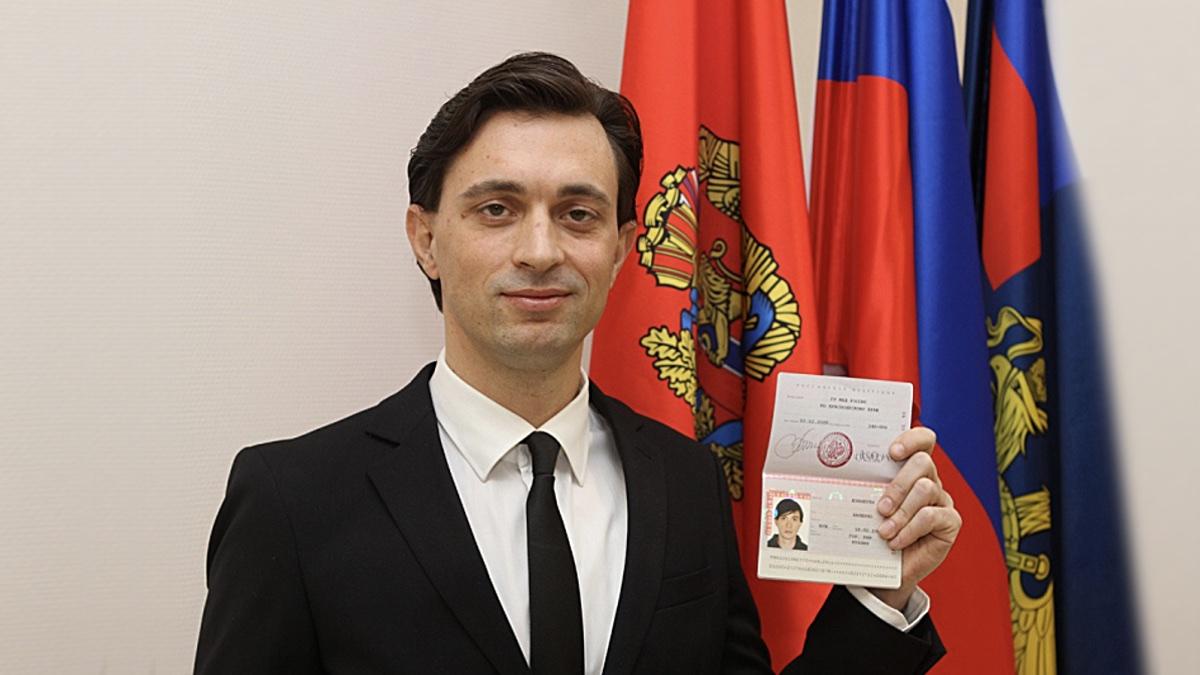 Итальянский волонтер Валерио Дзанетти с российским паспортом