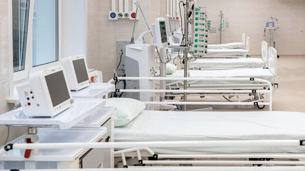 Коронавирус Больница койки медицинское оборудование аппараты ИВЛ семь