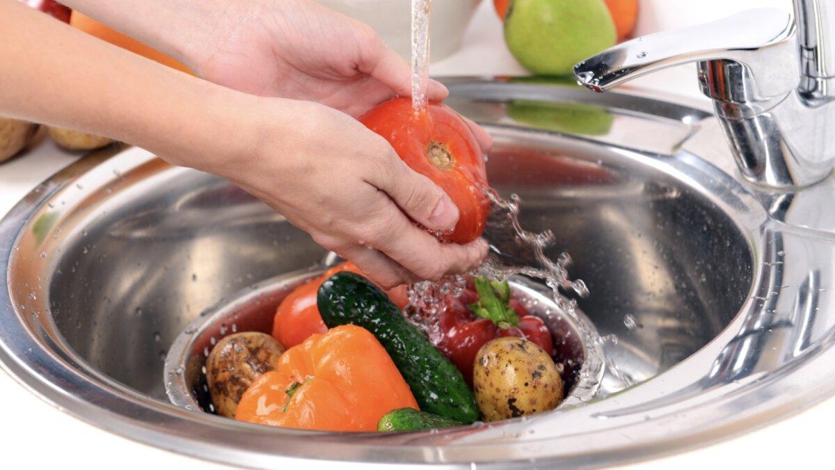 важно мыть овощи и фрукты из магазина