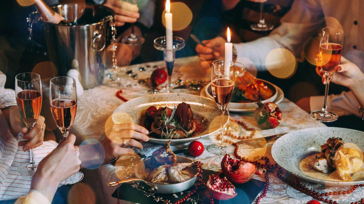 новогодний стол бокалы праздник новый год