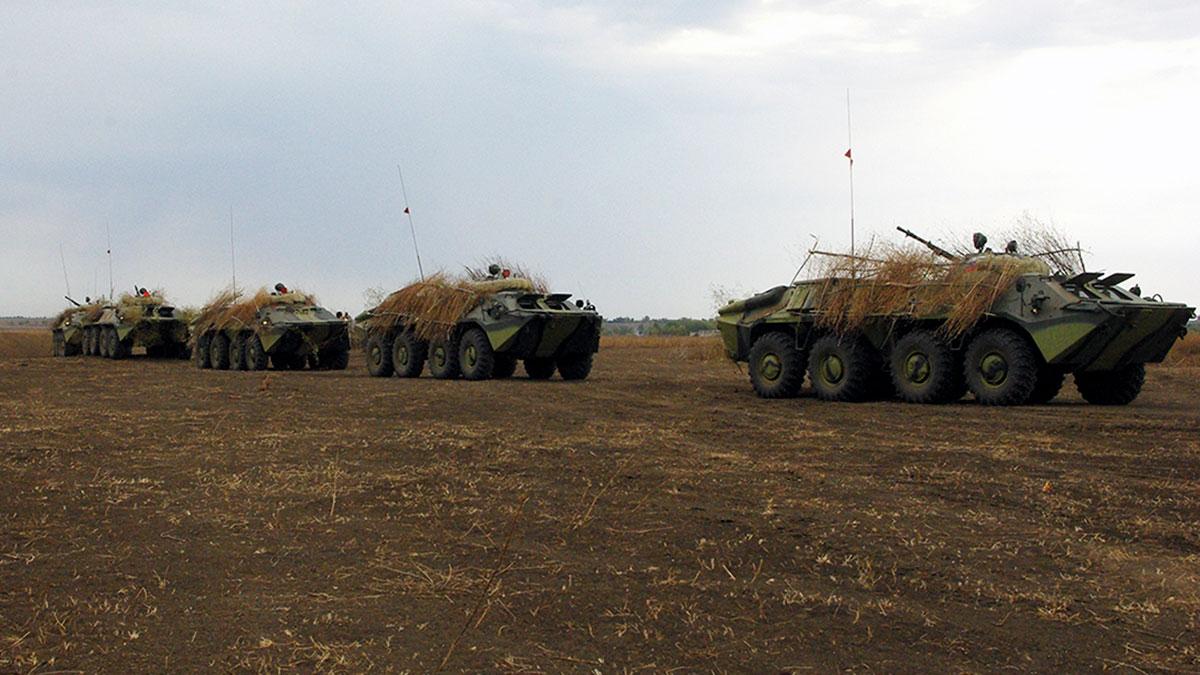 Полевой выход военнослужащих мотострелкового батальона Оперативной группы российских войск в Приднестровской молдавской республике