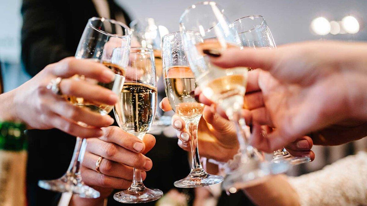 руки бокалы шампанское drink champagne