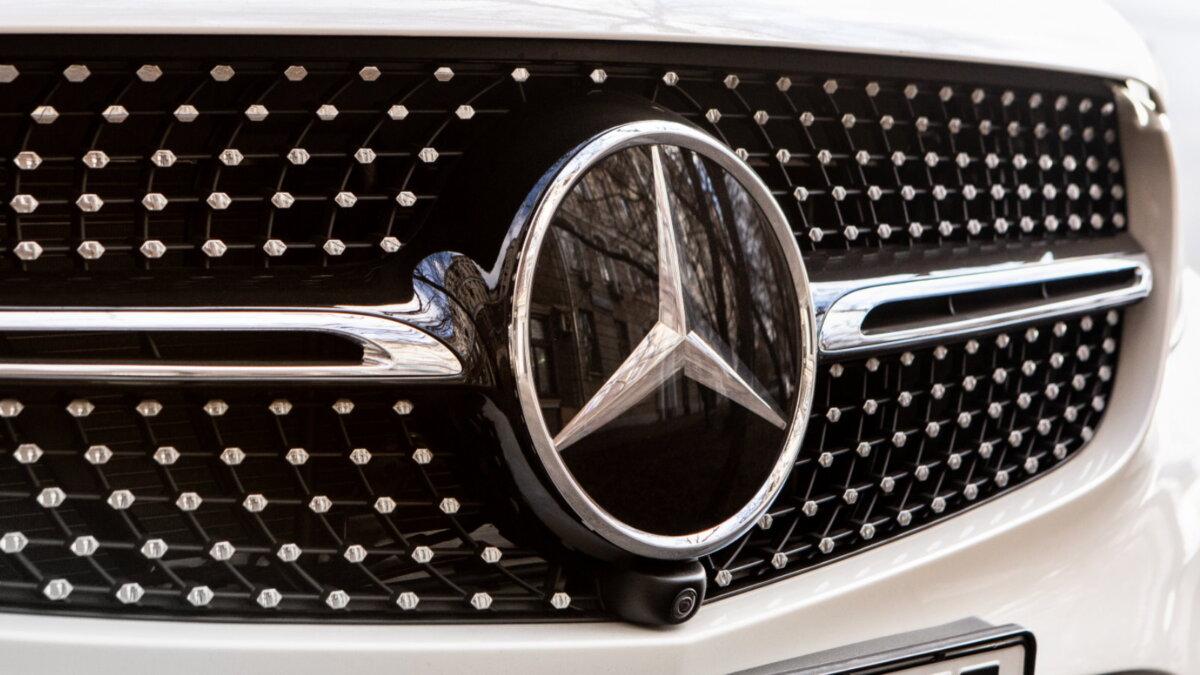 Mercedes-Benz логотип один