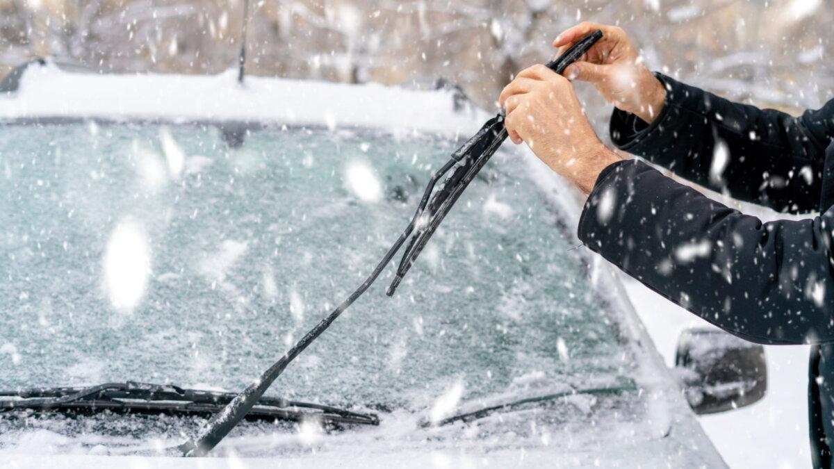 Стеклоочистители дворники машина зимой