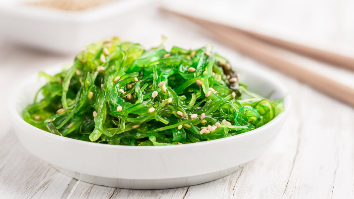 Салат из водорослей водоросли Чука