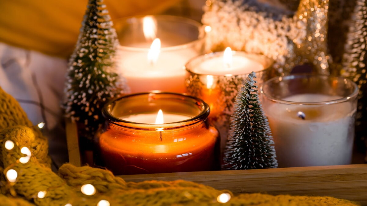 Новый год свечи один