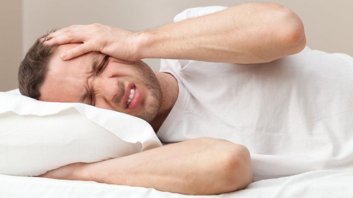 Похмелье головная боль постель