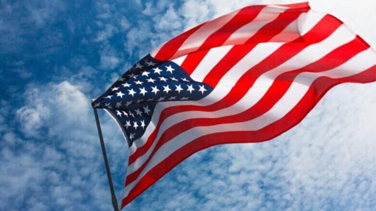 Флаг США на ветру