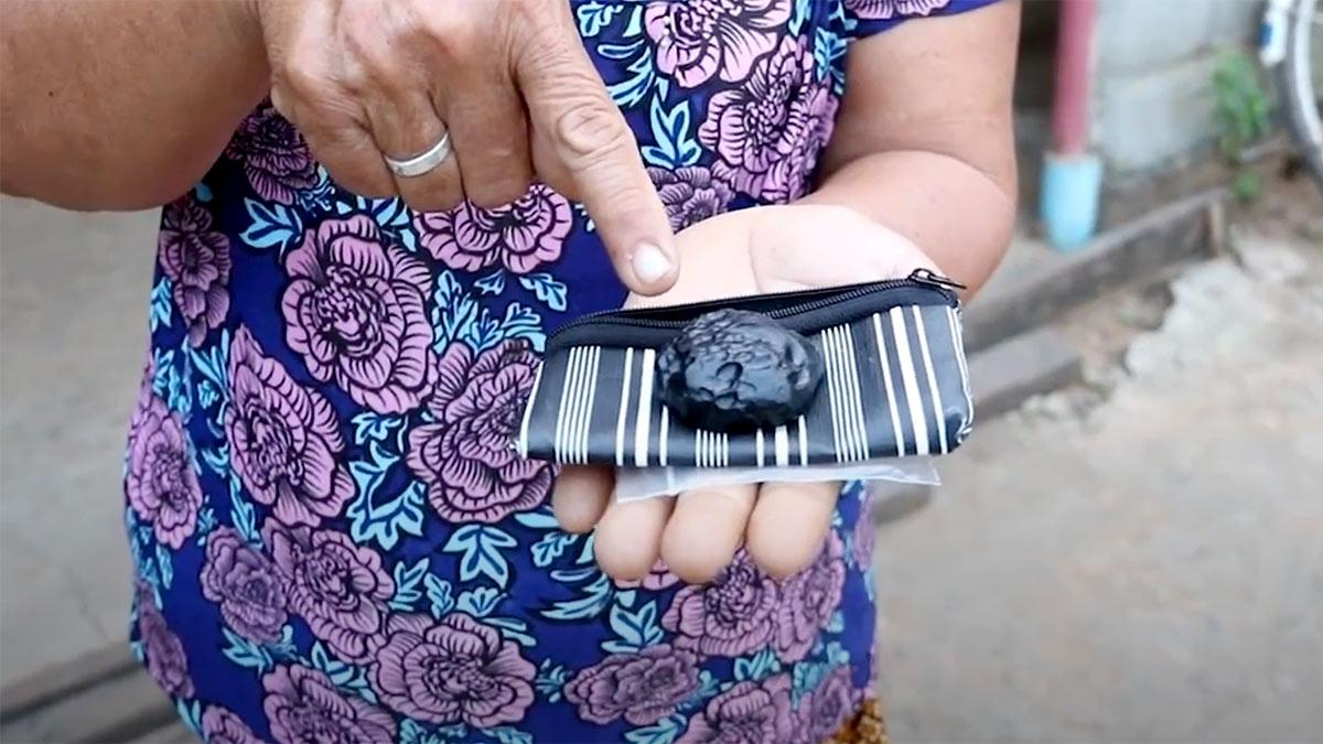 падение метеорита в саду жителя таиландского города Бурирам
