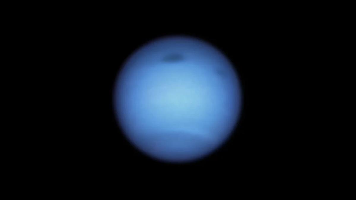 темное пятно нептуна