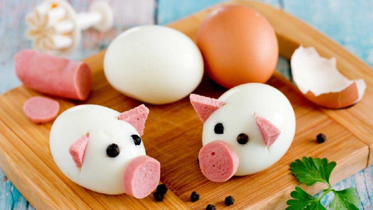 вареные яйца колбаса Boiled egg pigs
